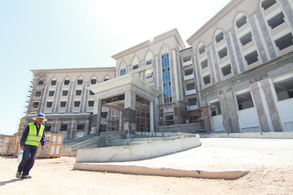 مشروع إنشاء فندق بنتابوليس السياحي