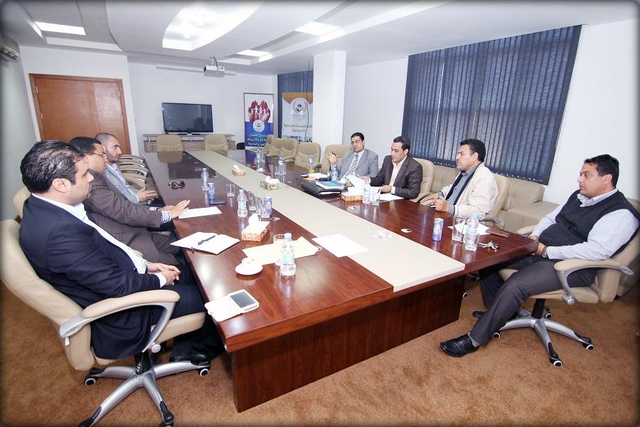اجتماع اللجنة التأسيسية للمنطقة الحرة (لمريسة) وأعضاء لجنة صندوق الضمان الاجتماعي