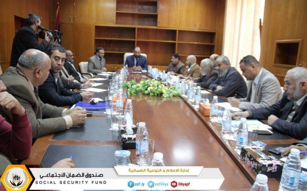 لجنة تصحيح واستكمال البيانات تجتمع في طرابلس